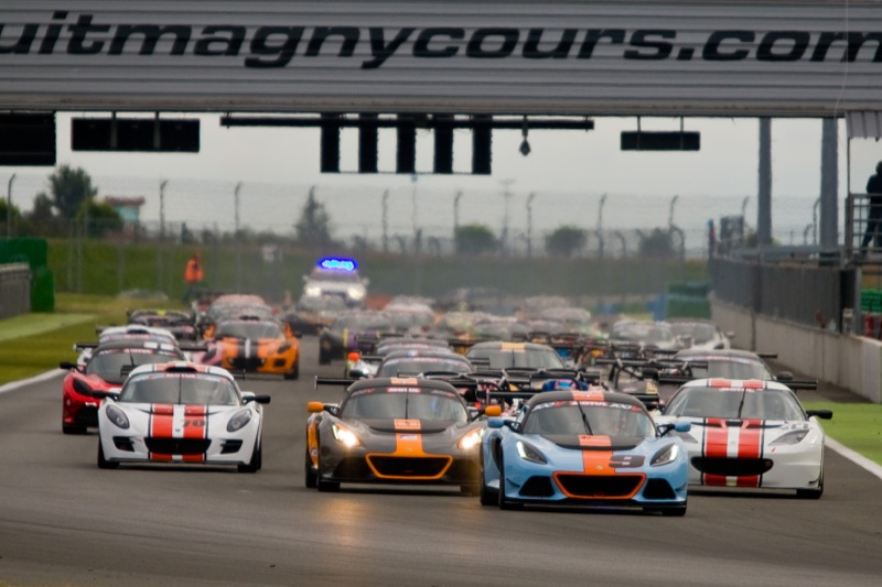 Kevin_Ritson_Magny_Cours2015_Race_1_Start